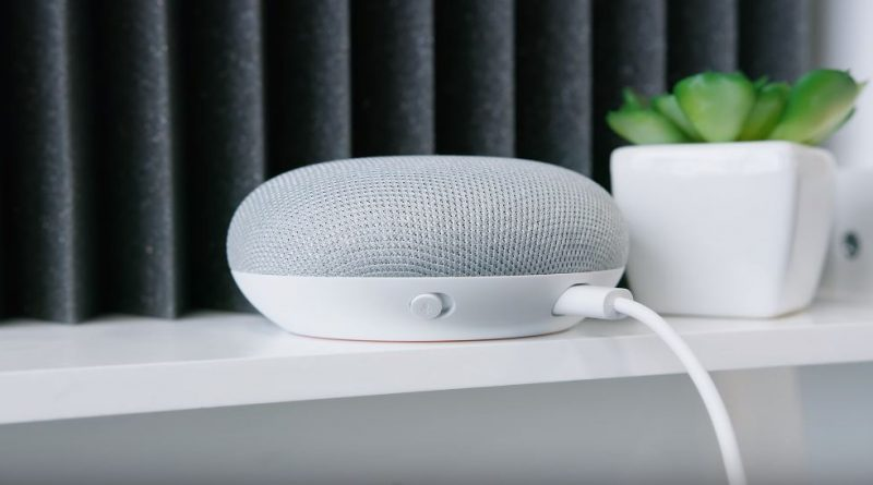Google Home Mini Smart Speaker Price & Specs
